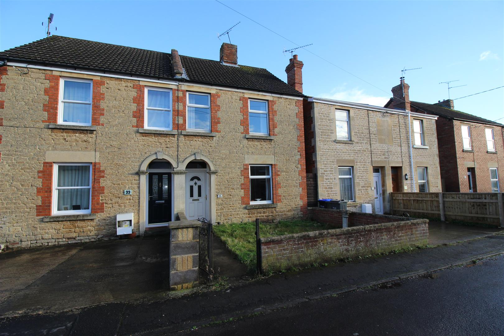 2 Bedrooms Semi Detached House for sale in Parliament Street, Chippenham